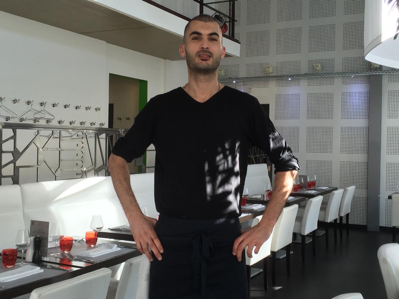 Hicham l'atout plongeur du restaurant Chez M